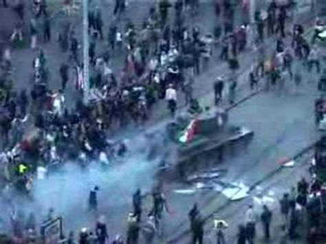 T-34 tank used in Budapest protests 2006 - YouTube