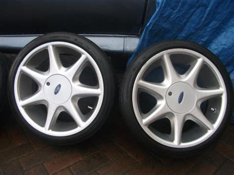 Ford 17 inch 7 spoke softline alloy wheels and tyres rs