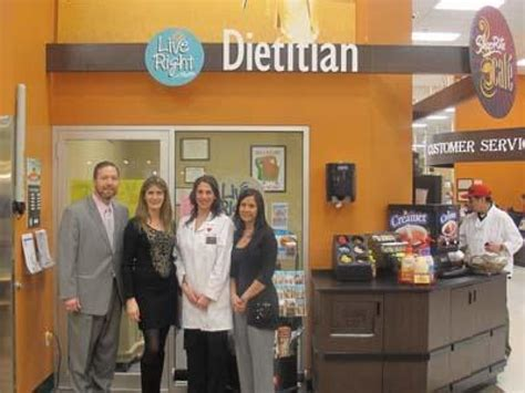 Coming to a Grocery Store Near You: Dietitians | Food